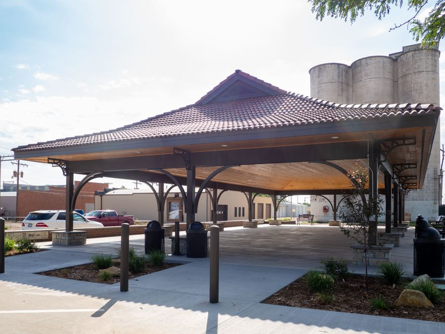 UP Plaza covered picnic area